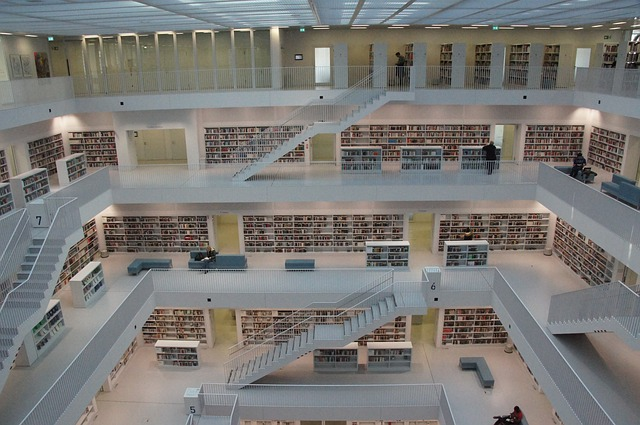 knihovn a ve Stutgardu