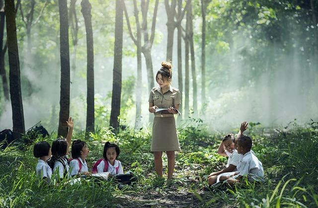 učitelka v lese